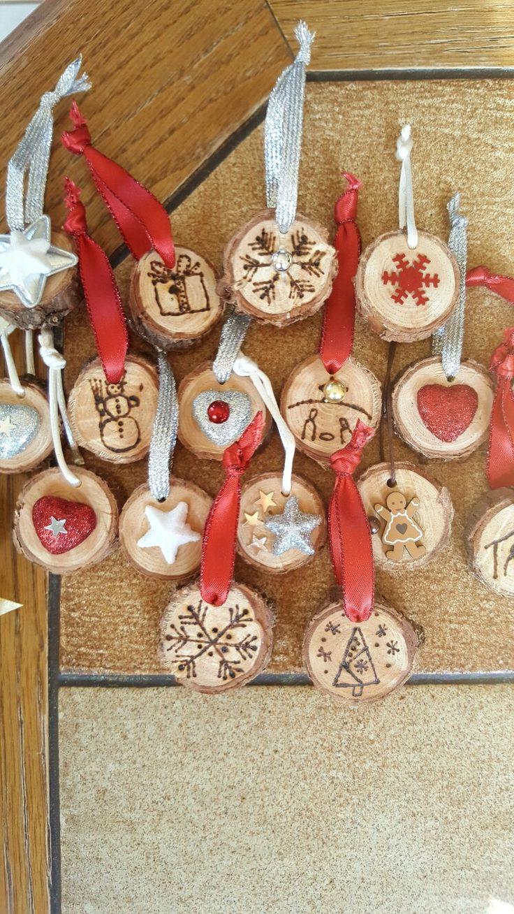 Dřevěné medailonky
