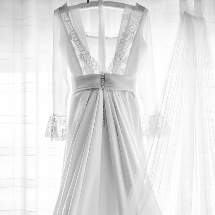 espalda de encaje del traje de novia