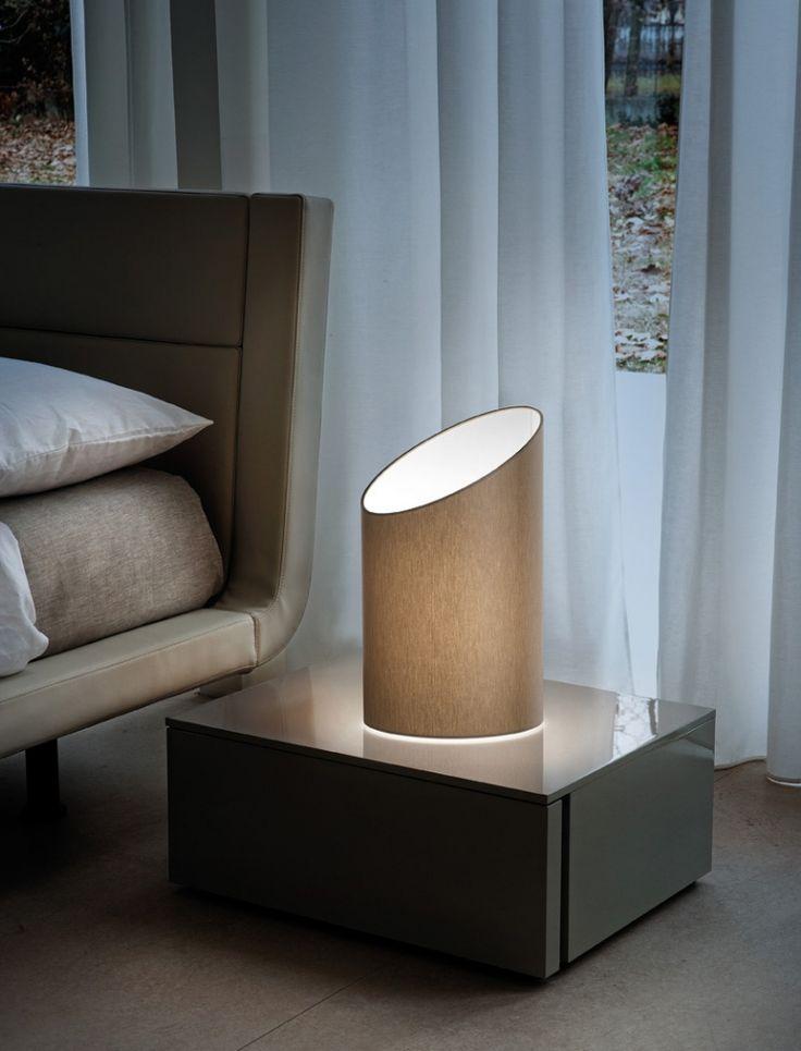 Pank - lampička světlý odstín / lamp in bedroom