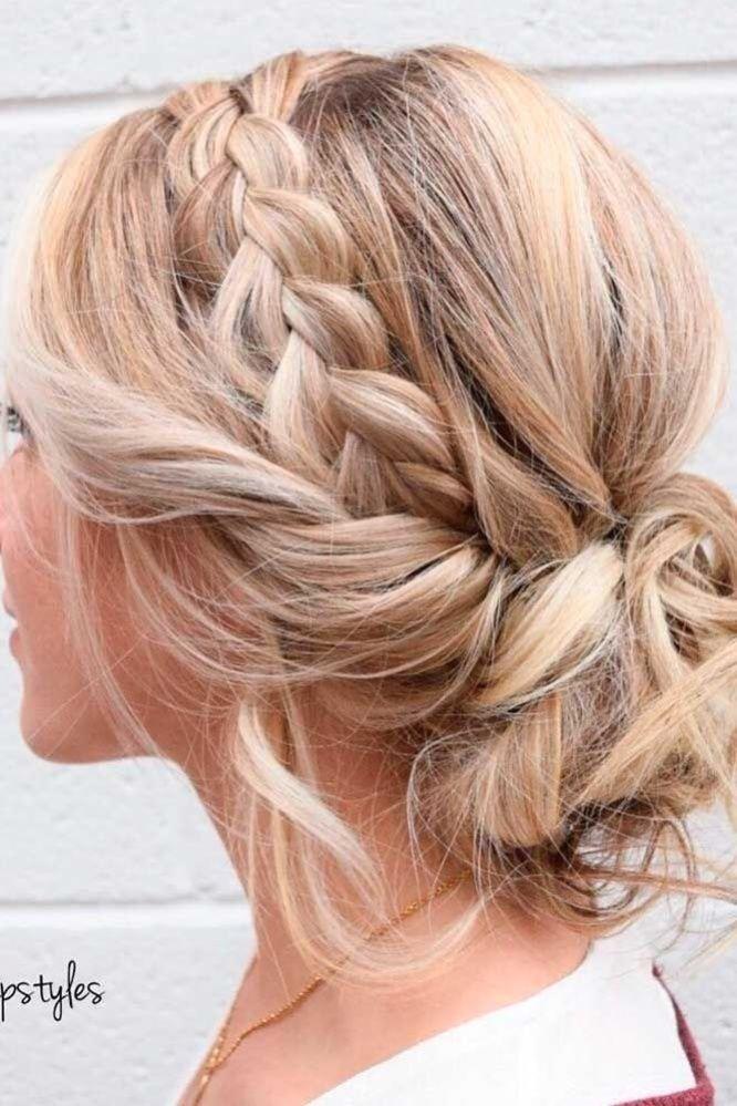 Edle Mittellange Frisuren Und Schnitte Mehr Sehen Source By Iffelsberger Hair In 2020 Einfache Frisuren Mittellang Frisur Hochzeit Geflochtene Frisuren