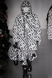 ktz-fall-winter-2014-show-0025 The geometry patterns run over from head to toe! Really stylish outfits that can make the model looks very individual and extremely characteristic. We also can see the design goes on the handbag.