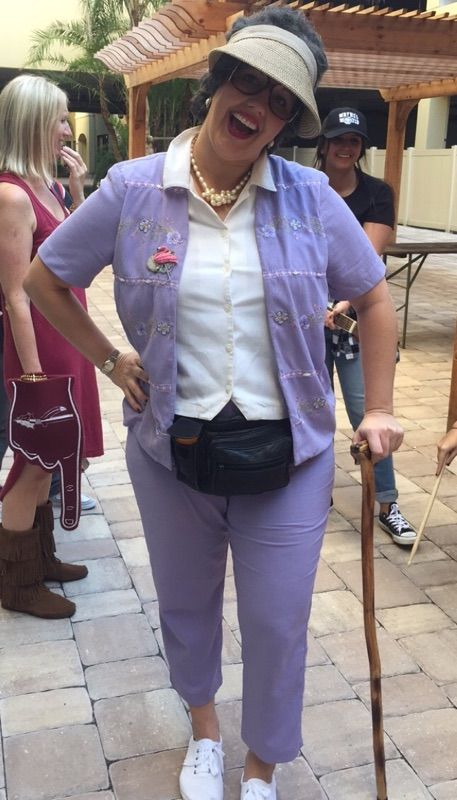 Awesome #DIY grandma costume