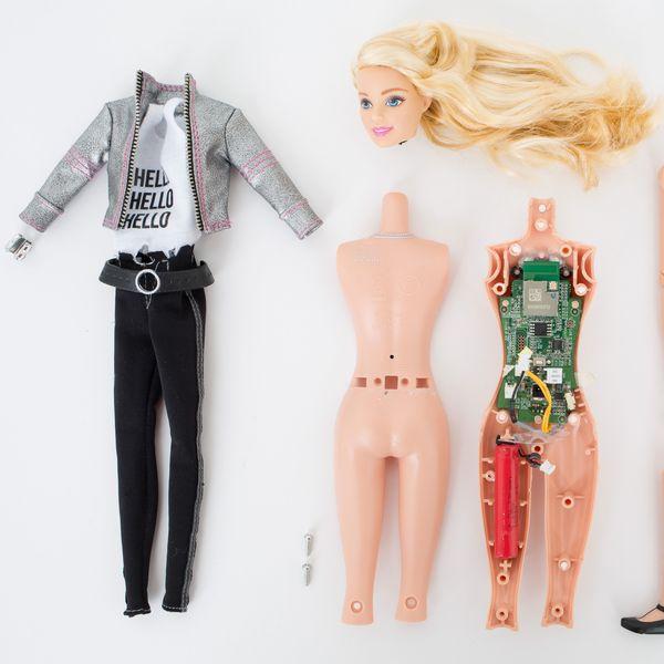 Hello Barbie Under the Knife http://ift.tt/1LxFcUw
