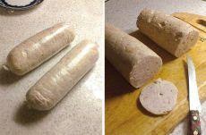 Домашняя варёная колбаса Вдвое меньше калорий, чем в покупной (на 100г. – около 130ккал.), да и сделанная своими руками))) Филе куриное (или индейка) — 700 г Сливки (я брала молоко, получилось вообще 92 ккал)— 300 мл Белок яичный — 3 шт Соль Перец черный Приправы 1. Сырое филе режем на кусочки. Измельчаем охлажденное куриное (индюшиное) филе в блендере до кремообразного состояния, добавляем белки, перец и соль по вкусу. По желанию можно добавить мускатный орех. 2. Вливаем в фарш холодные…