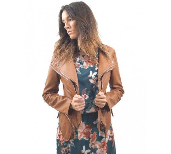 Cazadora solapas cremalleras. Cremalleras inferiores suprimibles. Consíguela ahora a través de nuestra página web www.ties-heels.com  #tiesheels #shop #shoponline #new #newcollection #nuevo #instamoda #instafashion #instagood #tienda #trendy #moda #soon #jacket #leather #brown