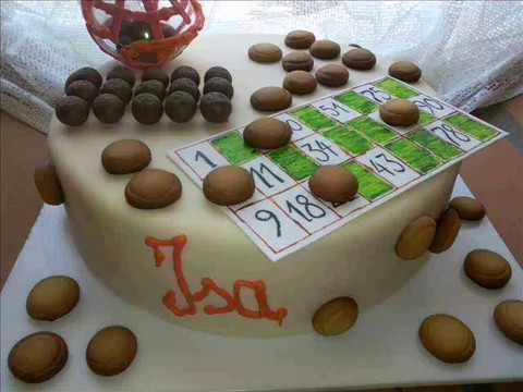 Gâteau loto en pâte à sucre une création de Véronique