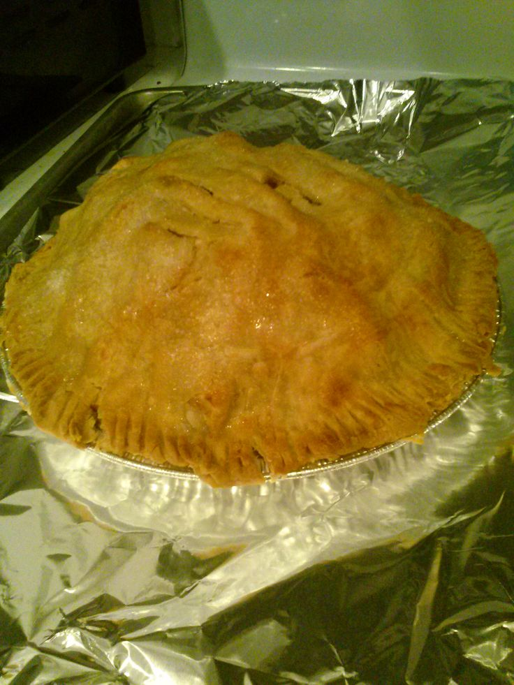 Gluten Free Baker Tammy Two Step made an Apple Pie using Mama's Pie Crust Mix.