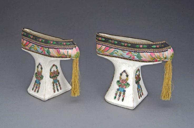 """""""Flower pot shoes'"""", China, Guangxu reign period (1875-1908)"""