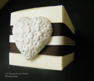 La finestra sul bosco Handmade: Come personalizzare la bomboniera di nozze e la confettata.