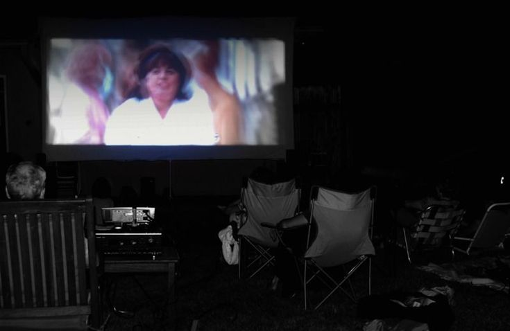 Easy, portable outdoor movie screen tutorial. | Instructables