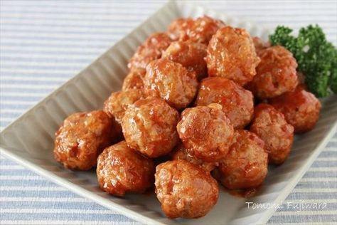 """安くて便利なひき肉を使って便利な作り置きおかずを作ってみませんか?包丁を使う手間がなく火の通りも早いので、定番の肉味噌系だけでなく色んな作り置きおかずに応用できますよ。朝昼晩のお食事タイムに幅広く使いまわせる便利な""""ひき肉の万能常備菜""""をご紹介します。"""