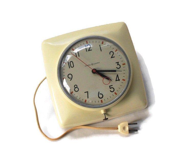 1950 S Futuristic General Electric Wall Clockvintage Etsy Retro Wall Clock Vintage Wall Clock Kitchen Wall Clocks