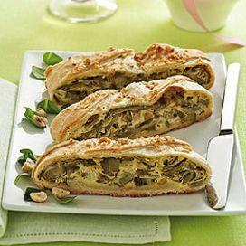 Strudel with artichokes, robiola cheese and hazelnuts - Strudel con carciofi, robiola e nocciole