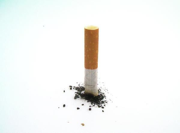 Psychologie de l'enfant - Stop tabac : 10 trucs pour arrêter définitivement de fumer ! http://www.psychoenfants.fr/sante-femme-fr_Stop_tabac___10_trucs_pour_arreter_defin_3891.html