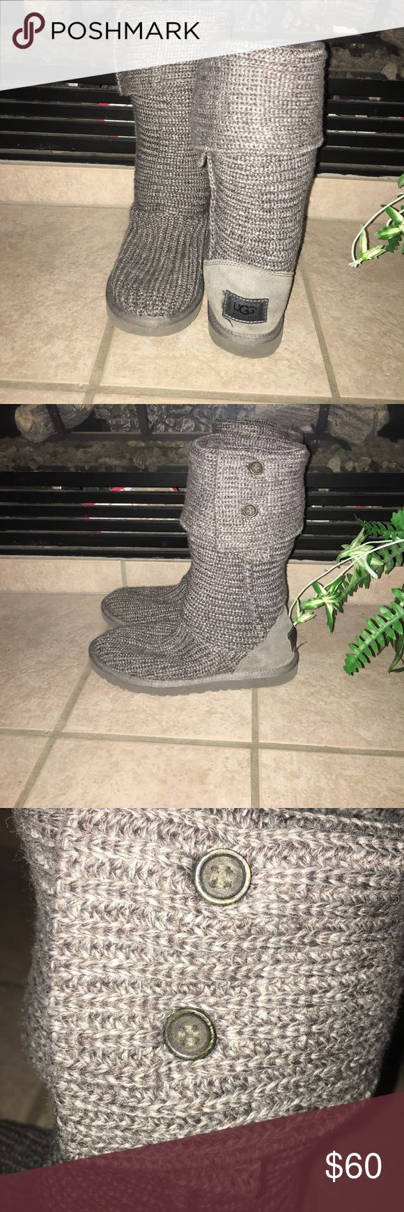 🆕 Listing Knitted Ugg boots Gently used uggs with alot of life. You can wear them rolled up or down. No stains, snags or tears. UGG Shoes