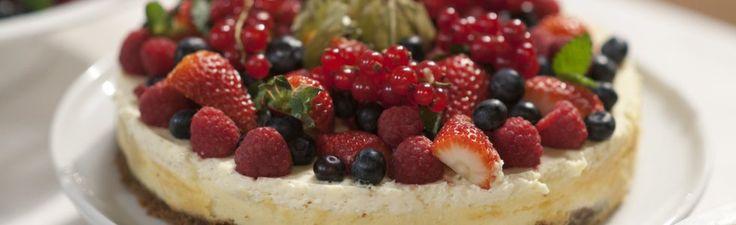 Idas ostekake med jordbærsaus | TV3 Mat
