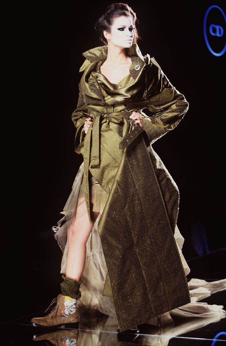 John galliano for the house of dior spring summer 2000 for Haute couture houses