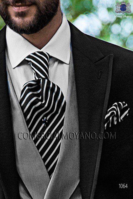 Traje de novio italiano a medida, Chaqueta semilevita en tejido acetato lana negro y pantalón raya diplomática 1064 Ottavio Nuccio Gala colección Fashion.