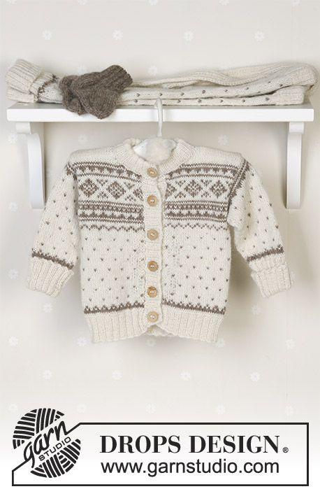 Winter Snuggles / DROPS Baby 13-5 - DROPS Nordisk kofta, byxa, mössa med garnbollar, vantar, sockor och filt i Alpaca.