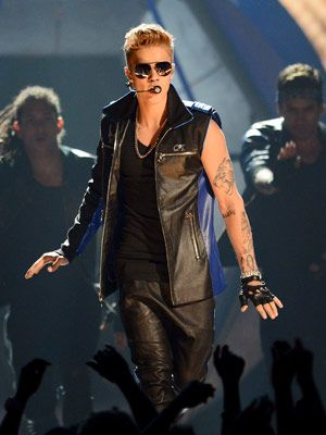 Two (Naughty!) Must-Have Hotel Requests...From Justin Bieber