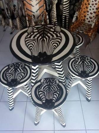 Сувениры. - Пластиковая и кемпинговая мебель, Товары для пикника: столы, стулья, лежаки пластиковые, Складная мебель. | Стул рука | Статуэтки жирафов деревянные | Статуэтка жираф | Стул-рука | Светильники солома