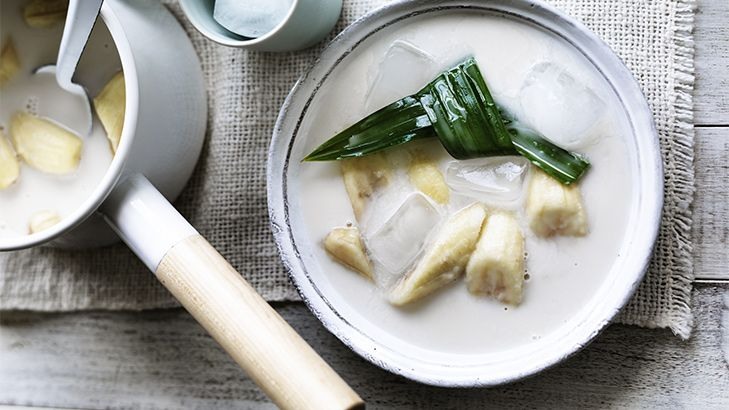 A simple and healthy dessert idea from Asia! Bananas in coconut milk is a lovely, sweet way to end your Asian banquet.