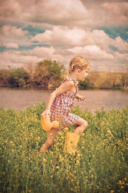 To be a kid again... Running through fields of wildflowers. #Summer #Rubber_Ducky