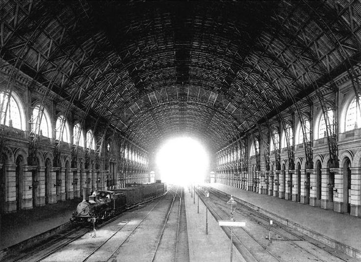 22 best images about old berlin train stations on pinterest sculpture clock and 15. Black Bedroom Furniture Sets. Home Design Ideas