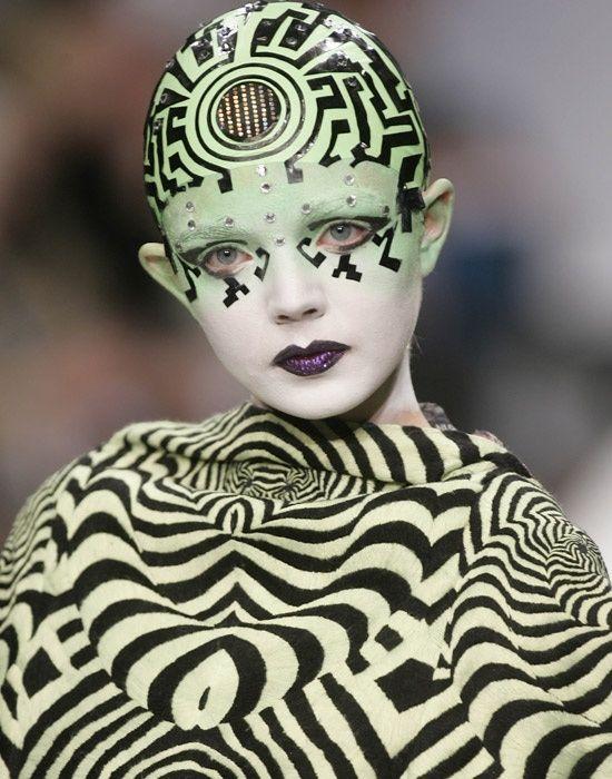 Cyberpunk Art, avant-garde fashion, art fashion, make up, Britain Fashion Week, Manish Arora, future, futuristic, fashion girl, model by FuturisticNews.com