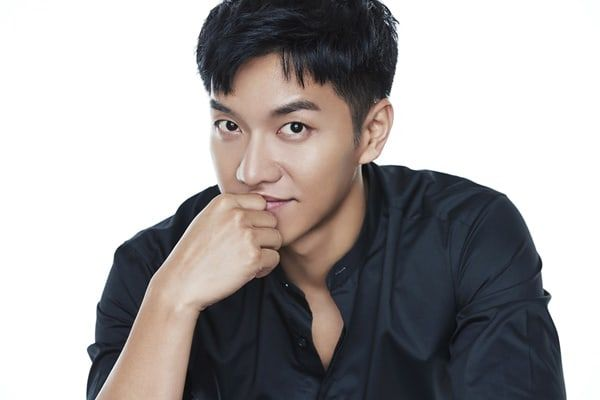 """Lee Seung Gi Officially Confirmed To Be Starring In Hong Sisters' Upcoming Drama """"Hwayugi"""" 