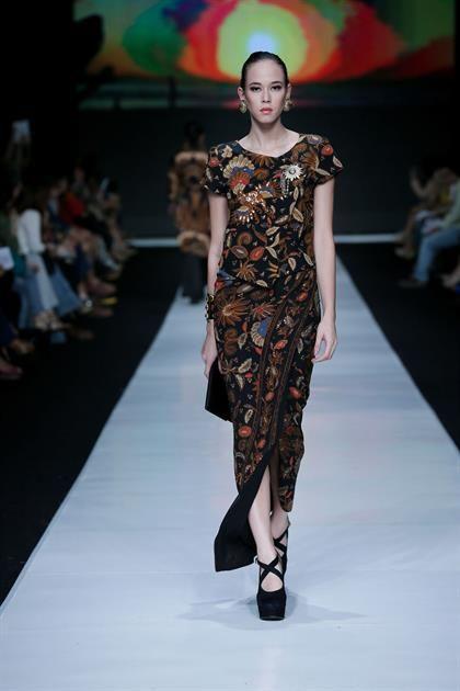 Poppy Dharsono - Jakarta Fashion Week 2014