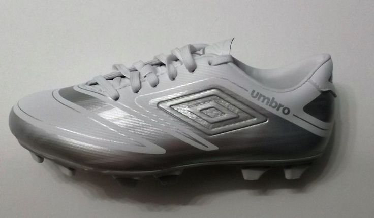 Umbro Velorum Womens Soccer Cleats  - Size 7 #Umbro