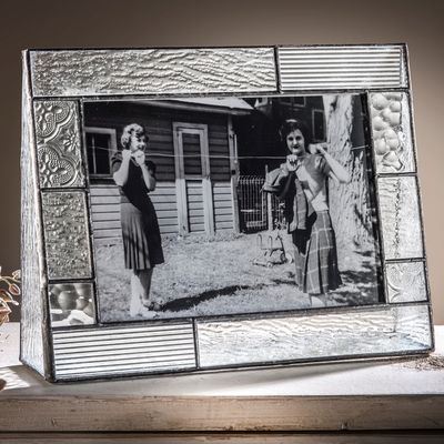The J. Devlin 5x7 horizontal glass photo frames are only one of many J. Devlin products offered at Uncharted Visions.