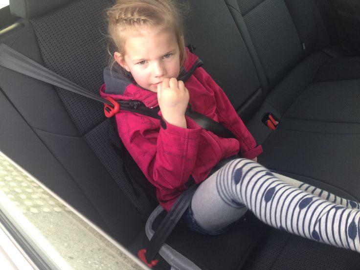 De BubbleBum Booster Seat is een opblaasbare stoelverhoger. Onlybyme testte dit zelf uit met dochterlief en de zoon van broer. Review + Winactie.