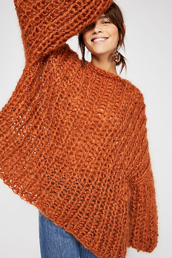 5aaf40bdd0d76 Another ridiculously overpriced sweater ( 770) from Free People that would  be so easy to make