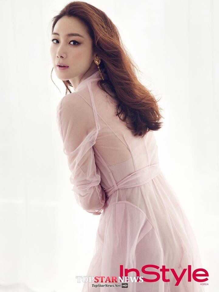 How can she be this beautiful?? Can someone answer please?? #choijiwoo