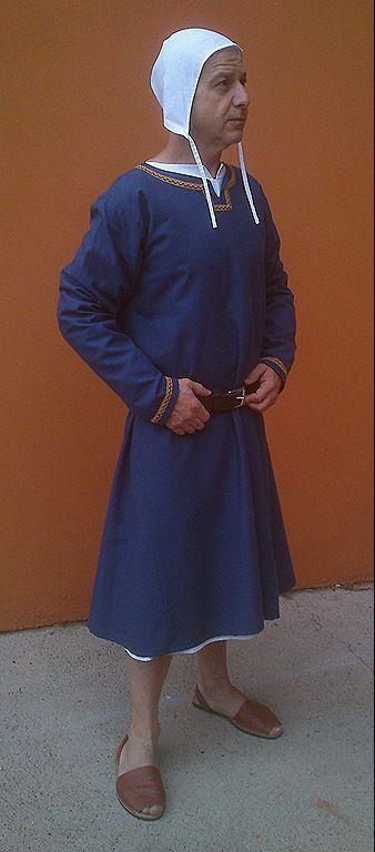 La saya medieval para hombre. Medieval clothing; Medieval costumes;