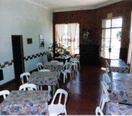 """BI68356 - Ayacucho  -  Pcia de Buenos Aires. Tipo: Hotel 16 Hab. 10 con baño privado. 580 mts cub. s/terreno de 483 mts . Buen estado. Lote de 11 x 21 mts. En \""""antiguedad\"""" figuran los años que funciona como Hospedaje, antiguamente funcionaba como Restaurante también. Edificio aplicable a distintas actividades. Incluye dpto. de 3 ambs. con baño, living, cocina y terraza. Posibilidad de ampliación en lote lindero de 23 x 50 mts. Contado y financiado. Se toman propiedades en parte de pago."""
