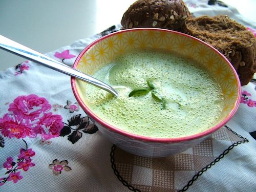 5 or less: Romige broccolisoep met zalm