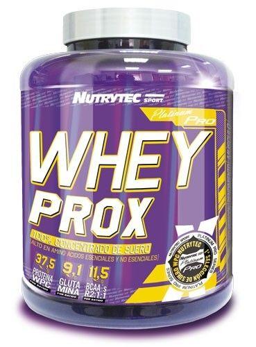 Whey Prox Platinum Pro es una proteína de alta calidad que pertenece a la línea superior de productos de Nutrytec. Este producto está elaborado a base 100 % de concentrado de suero, con un contenido elevado en aminoácidos esenciales. La proteína de suero se digiere rápidamente y esto permite optimizar la recuperación muscular después de las sesiones de entrenamiento. Además, ha sido enriquecida con un complejo multivitamínico, que ayuda a cubrir los aportes diarios recomendados.