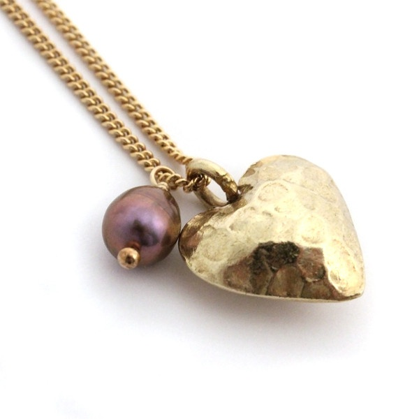 Charlotte Penman Battered heart necklace / Black Pearl
