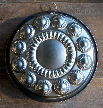 'Zeeuwse knop' by Tinka Leene www.zeeuwseknop.nl