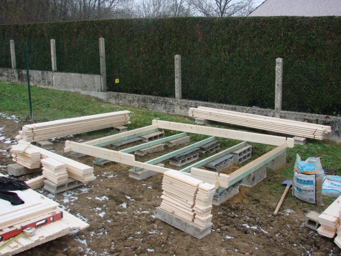 Les 25 meilleures id es de la cat gorie pose dalle beton sur pinterest - Comment monter un abri de jardin ...