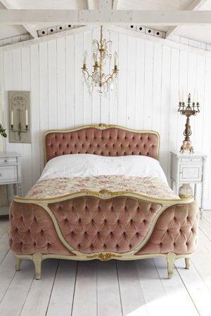 Louis XV buttoned Curved-Foot BedDecor, French House, Old Room, House Stuff, Xv Buttons, Bedrooms, Buttons Curved Foot, French Louis Xv Beds, Style Ideas