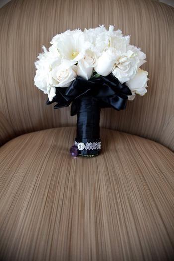 Black and white glam wedding