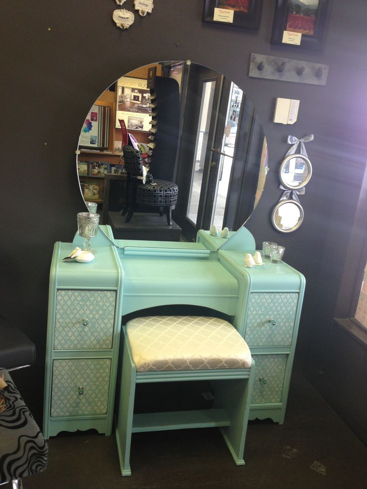 1940's shabby chic make-up vanity | 1940's shabby chic ...