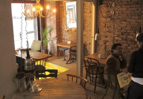 Istanbul 49 Cukurcuma Cafe  |||| For sure the Best piza in Istanbul