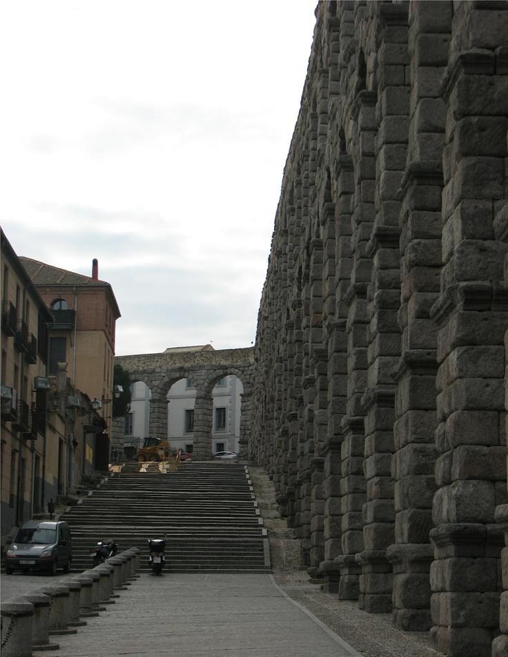 El acueducto de segovia espa a tiene arquitectura muy imponente aqu incluyendo el acueducto - Acueducto de segovia arquitectura ...