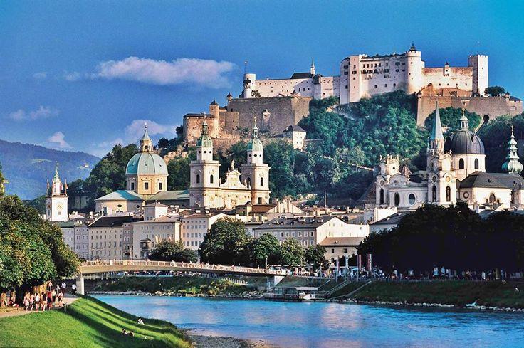 Salzburg orașul lui Mozzart Pentru acest final de săptămână vă propunem o mini vacanță plină de cultură și eleganță!  Detalii despre obiectivele ce trebuie vizitate: http://www.eurekareisen.ro/pachete-tematice/programe-weekend/weekend-salzburg-2013-autocar-as