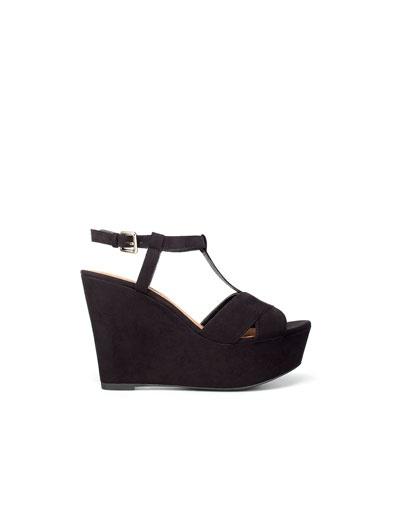 zaraFashion Shoes, Style, Wedges Shoes, Zara T Bar, T Bar Wedges, Cuña T Bar, Products, Black Wedges Sandals, Zara Wedges